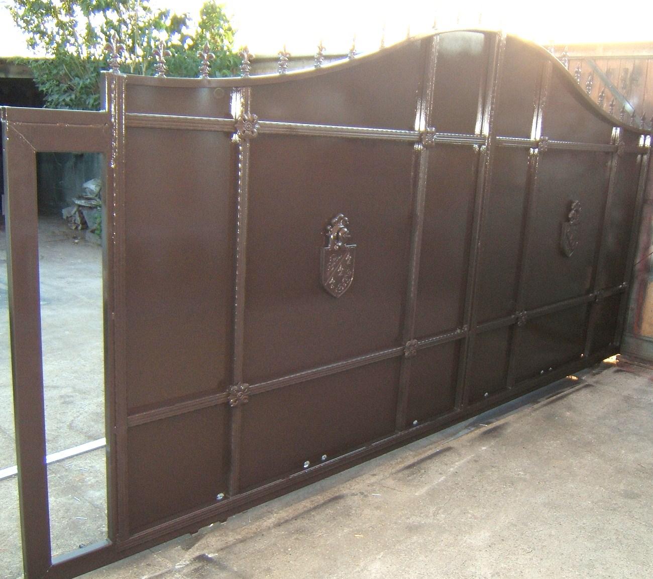 les ateliers d 39 eloi je realise sur mesure portail en fer forg portillon rampe garde. Black Bedroom Furniture Sets. Home Design Ideas