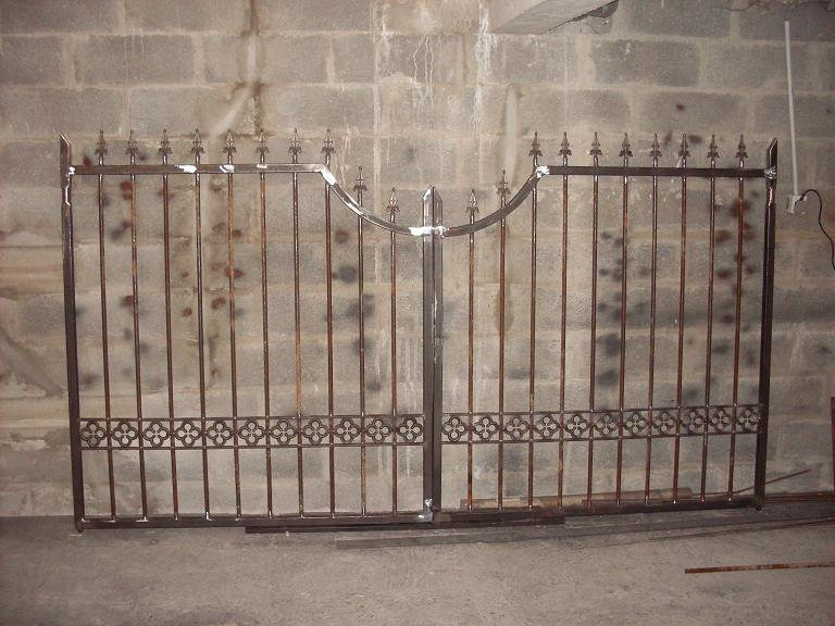 ferronnerie r alisation de portails portillons balustres grille de s curit garde corps et. Black Bedroom Furniture Sets. Home Design Ideas